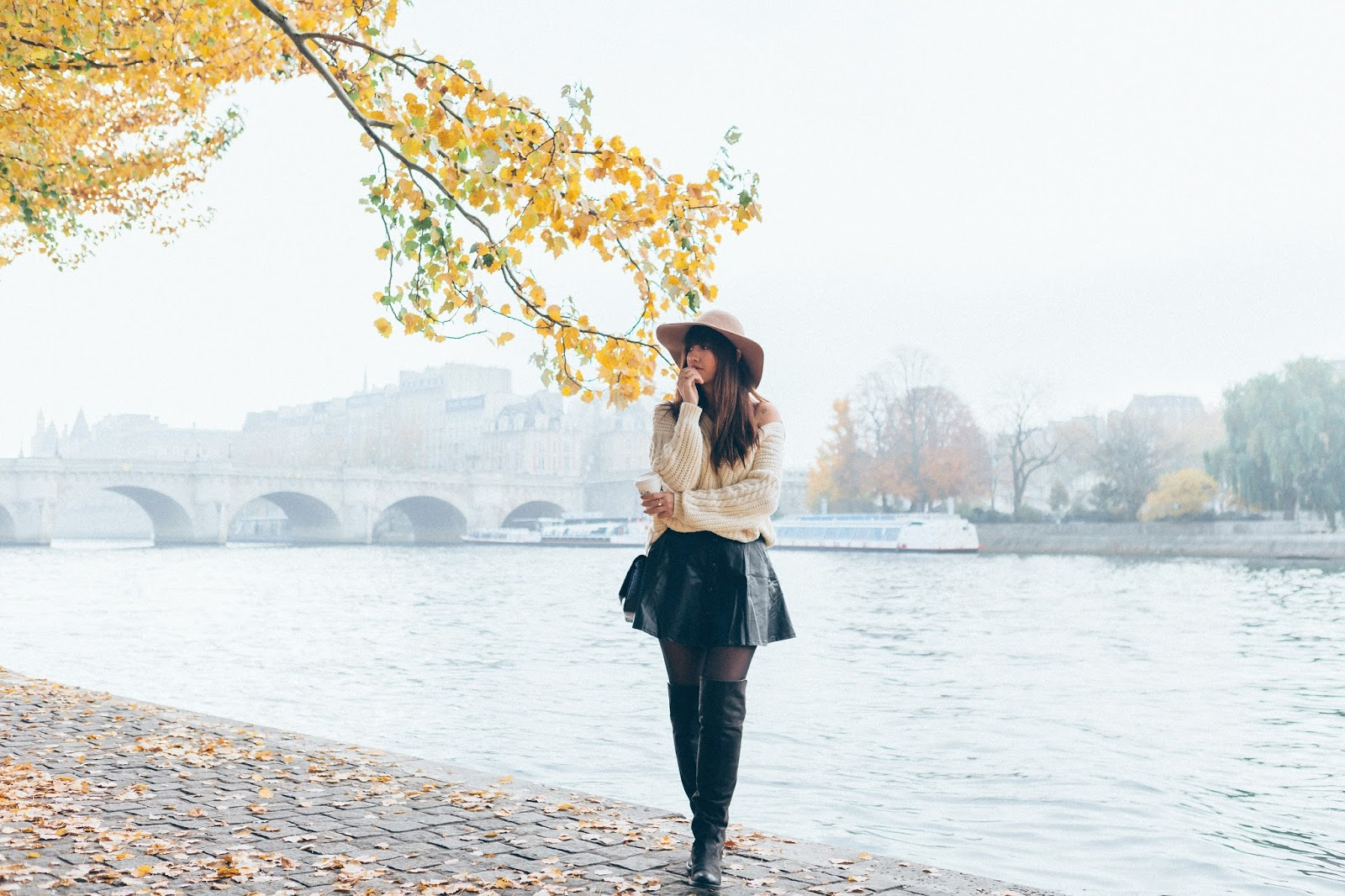 Parisian fashion blogger, Look, Streetstyle, Autumn Look, Fashion photography, Meet me in paree