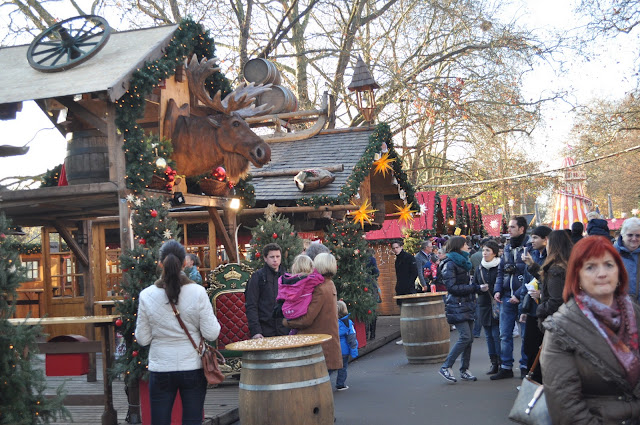 Winter+Wonderland+Hyde+Park+London+stalls