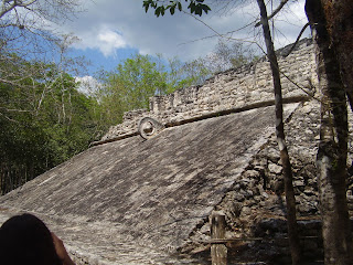 Campo de poc-ta-tok, jogo tradicional Maya (by Isa Lisboa)