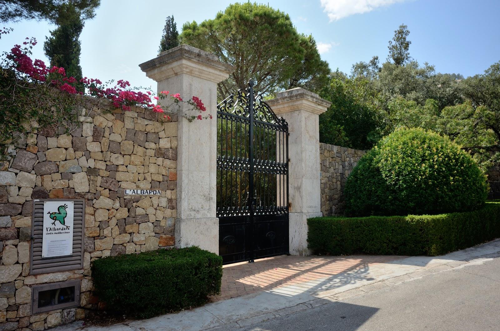 Calle anglada le jardin m diterran en de l 39 albarda for Le jardin katalog 2015