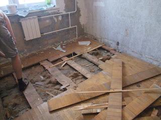 комната до ремонта: разбираем старый пол
