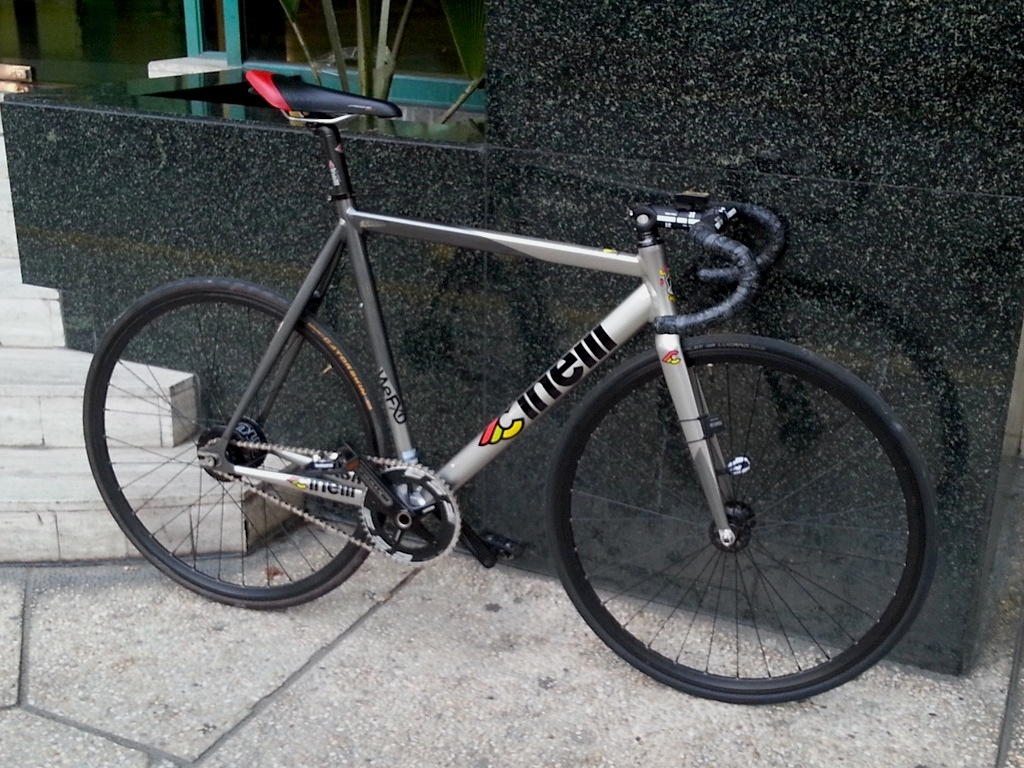 Manila Fixed Gear: Aaron\'s Flying Bolt