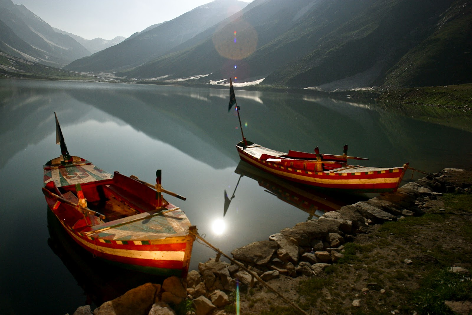 Jheel Saif Ul Malook Pakistan http://worldbeautifullplaces.blogspot.com/2012/03/beautiful-places-jheel-saif-ul-malook.html