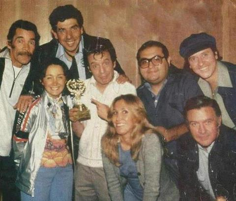 Foto: Elenco do Chaves reunidos