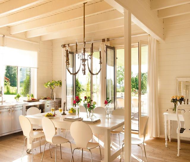 Blog by nela una casa de madera con mucho estilo a for Casa del mueble