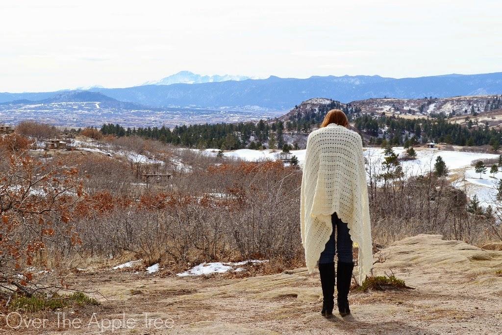 Crochet Shawl >> Over The Apple Tree