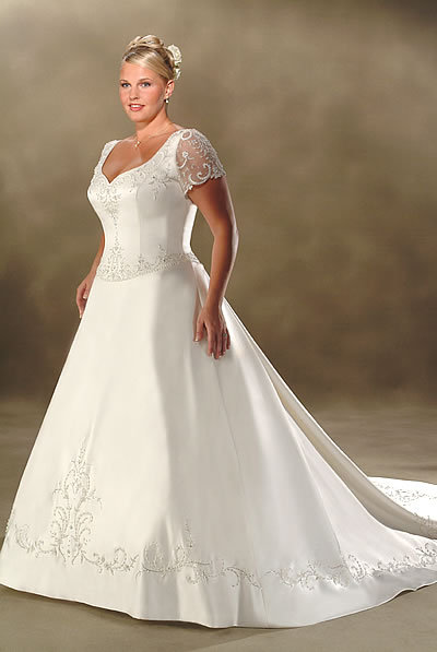 Wedding dresses gallery bridal dresses plus size for Best wedding dress styles for plus size brides