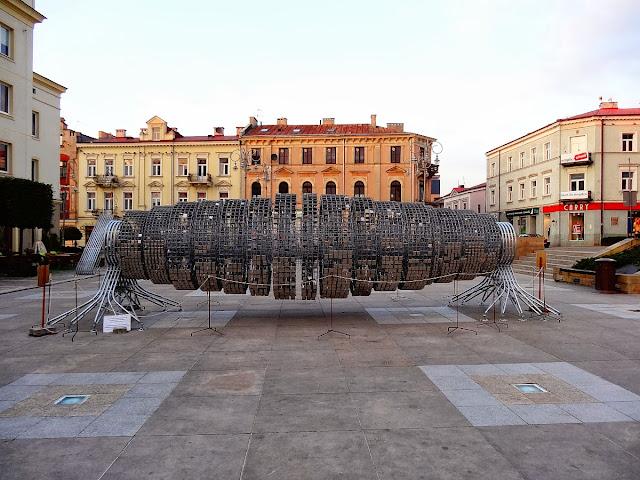 Turbina na placu Artystów