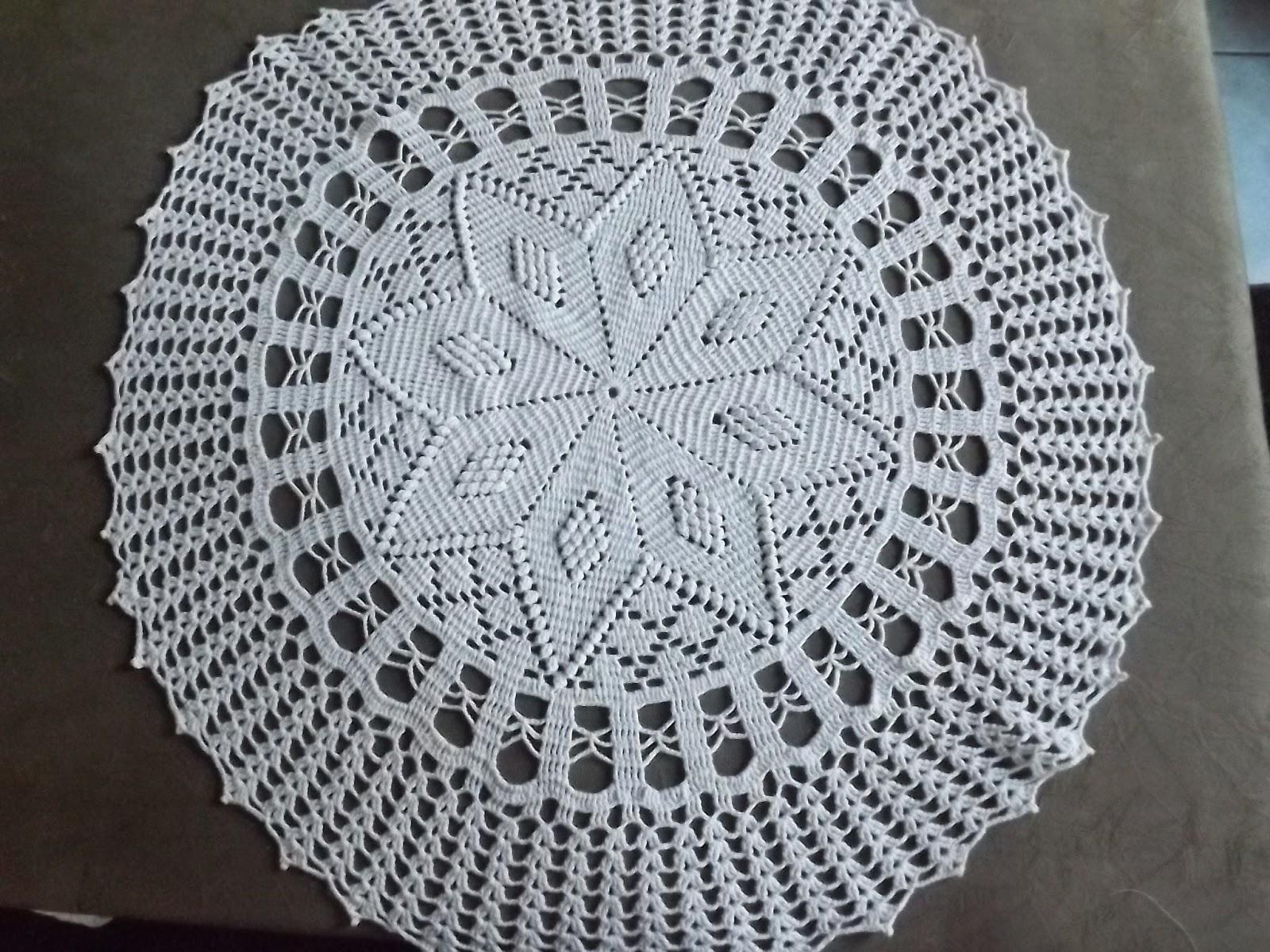 Tapete ou Toalha de Mesa de Crochê em Ponto Pipoca-Amor por Art em