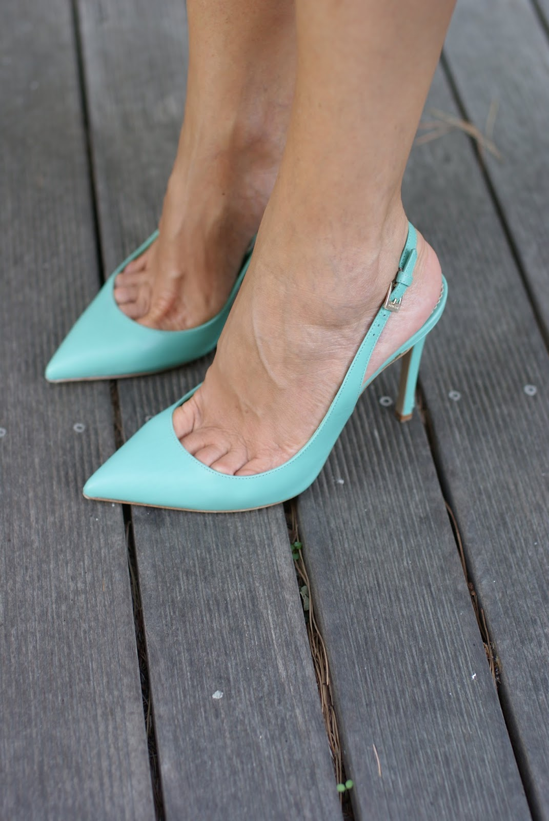 tiffany green pump slingbacks on Fashion and Cookies fashion blog