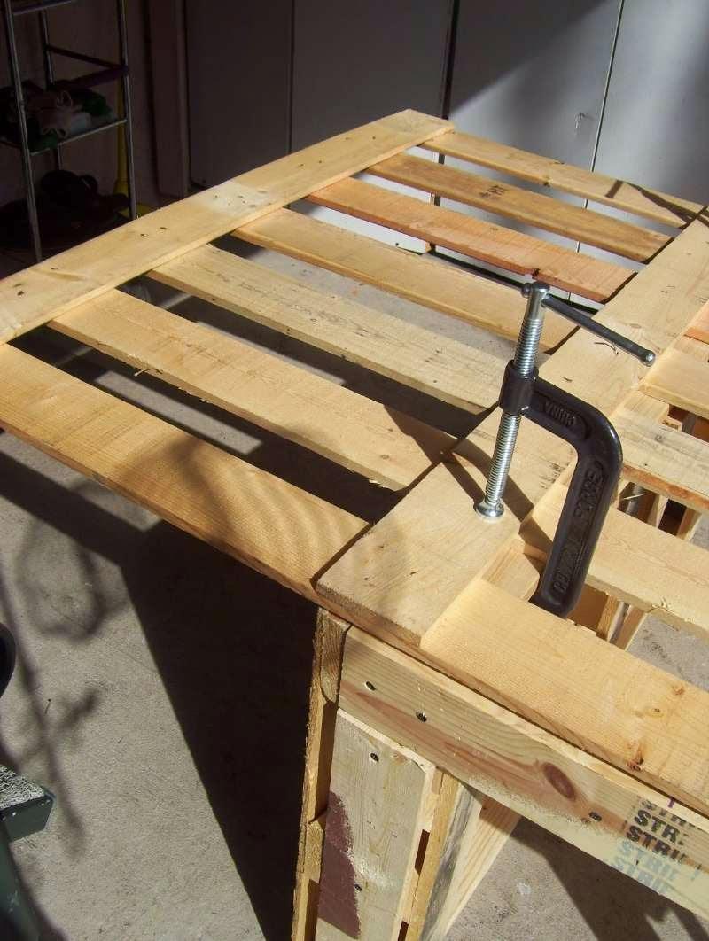 Una hermosa mesa de trabajo para el for Como hacer mesa de trabajo con palets