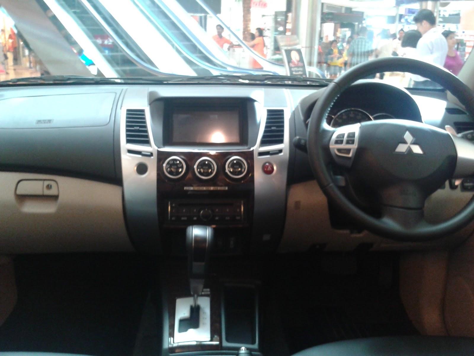 Perbandingan Mitsubishi Pajero Sport dengan Toyota