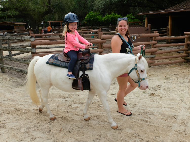 Walt Disney World's Fort Wilderness campgrounds, Tri-Circle-D Ranch pony ride