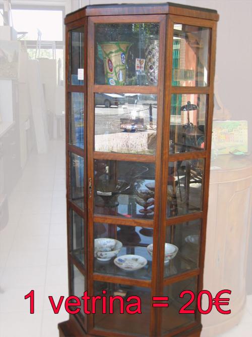 Ikea usa e riusa 2012 cambiamo casa facendo del bene for Vetrinetta ikea