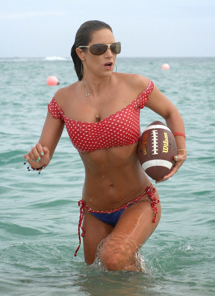 English: Jennifer Nicole Lee American Football Red Bikini Miami