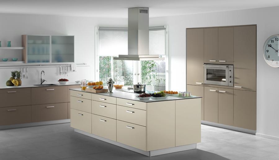 Disenho y muebles muebles de cocina for Mueble horno empotrado