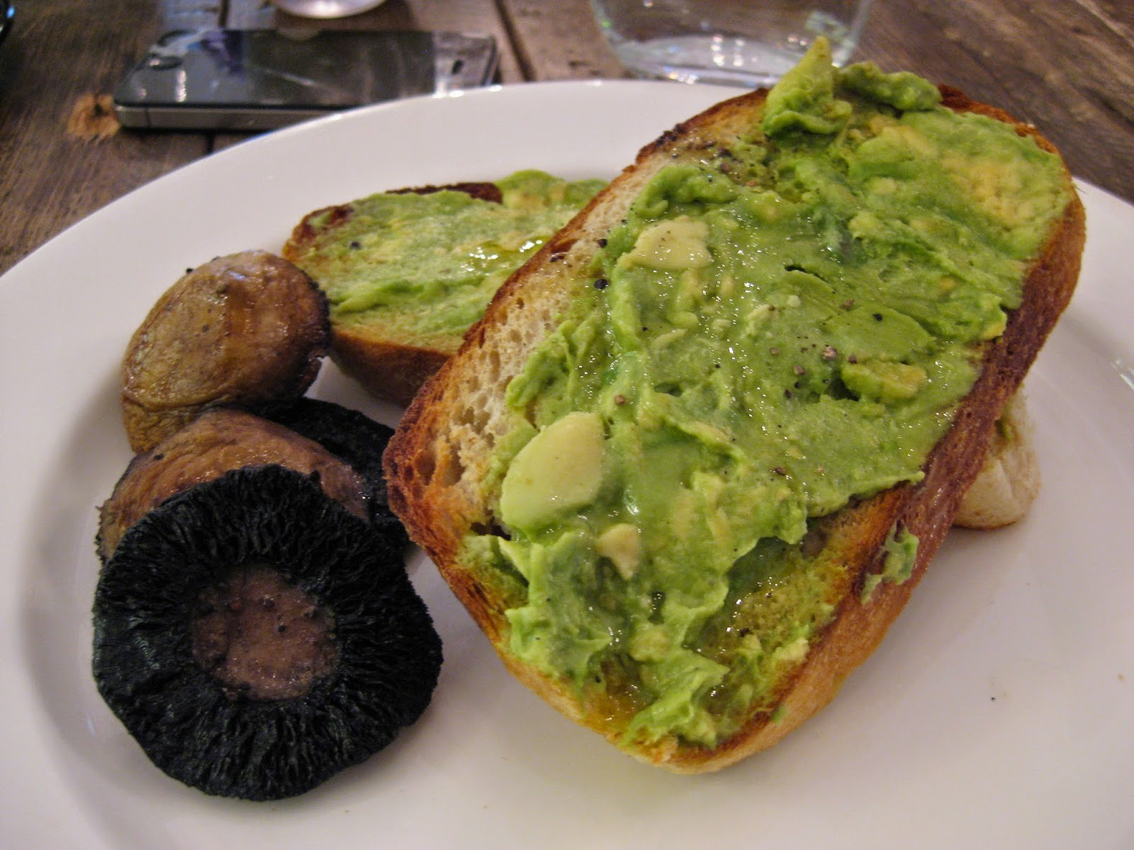 Cassie Cakes Review of Spring: sad avocado on toast