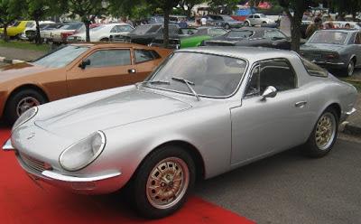 O Puma DKW foi criado a partir de um projeto de Rino Malzoni retrabalhado por Anisio Campos e durou até 1967, quando a VW comprou e interrompeu a Vemag, que fornecia os motores para o modelo.