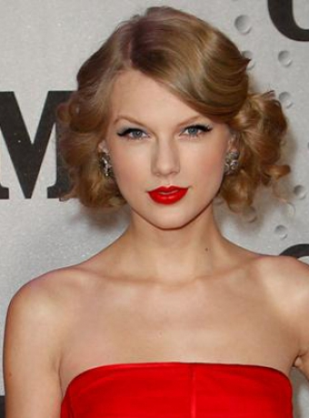 Updo Hairstyles★Taylor Swift