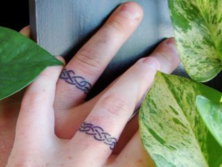 Wedding ring tattoos3d tattoos for Wedding ring finger tattoos designs