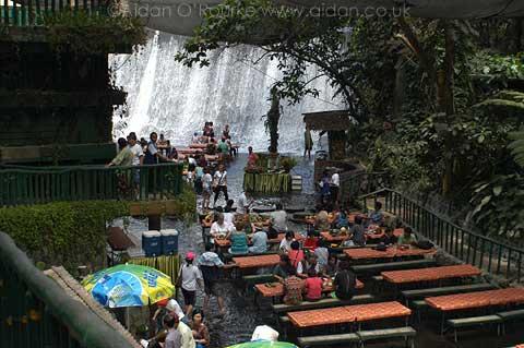 Coolest excerpt filipino waterfall restaurant for Villa escudero resort with the waterfalls restaurant in philippines