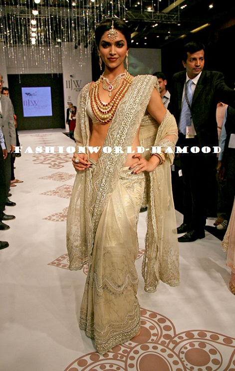 Deepika Padukone In Designer Saree - Fashion Designer Outfits