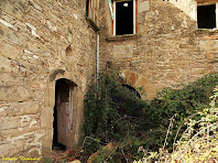"""La Capella del Vilar annexa a la masia. Autor: Francesc """"Caminaire"""""""