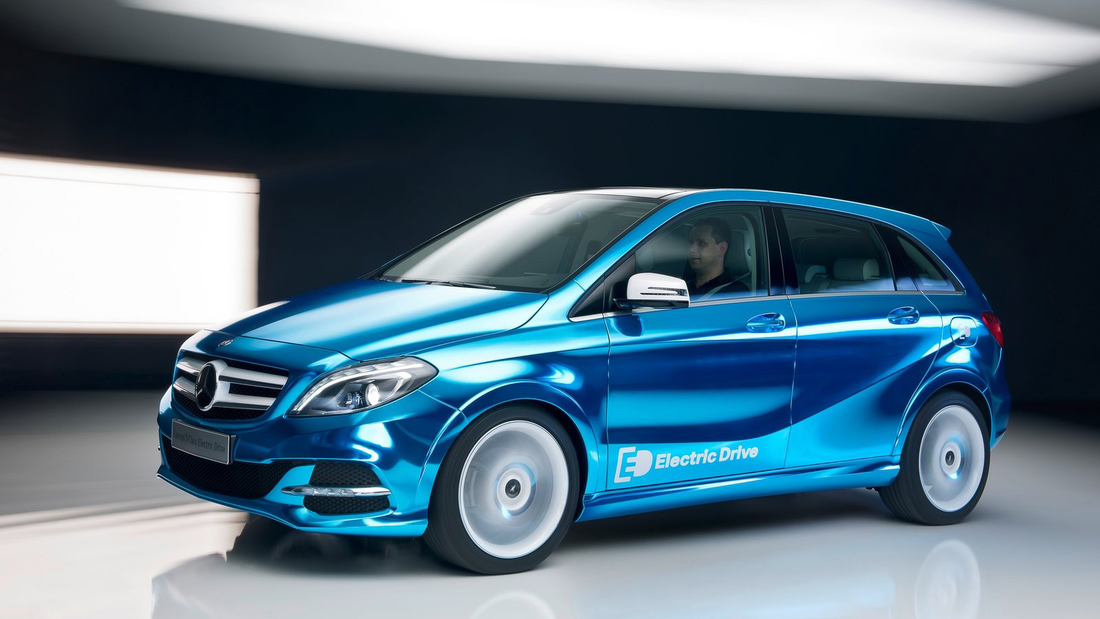 Car wallpapers free download 2012 mercedes benz b class for Mercedes benz b class electric car