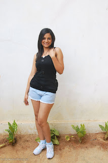 Anuhya Reddy Spicy Telugu Actress Spicy Pictureshoot in shorts