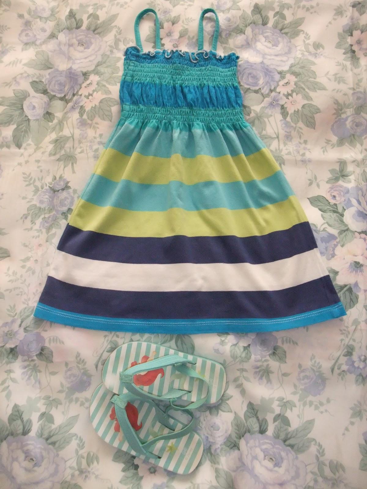 El armario de tartamon vestido playero de tirantes for Liquidacion piscinas desmontables