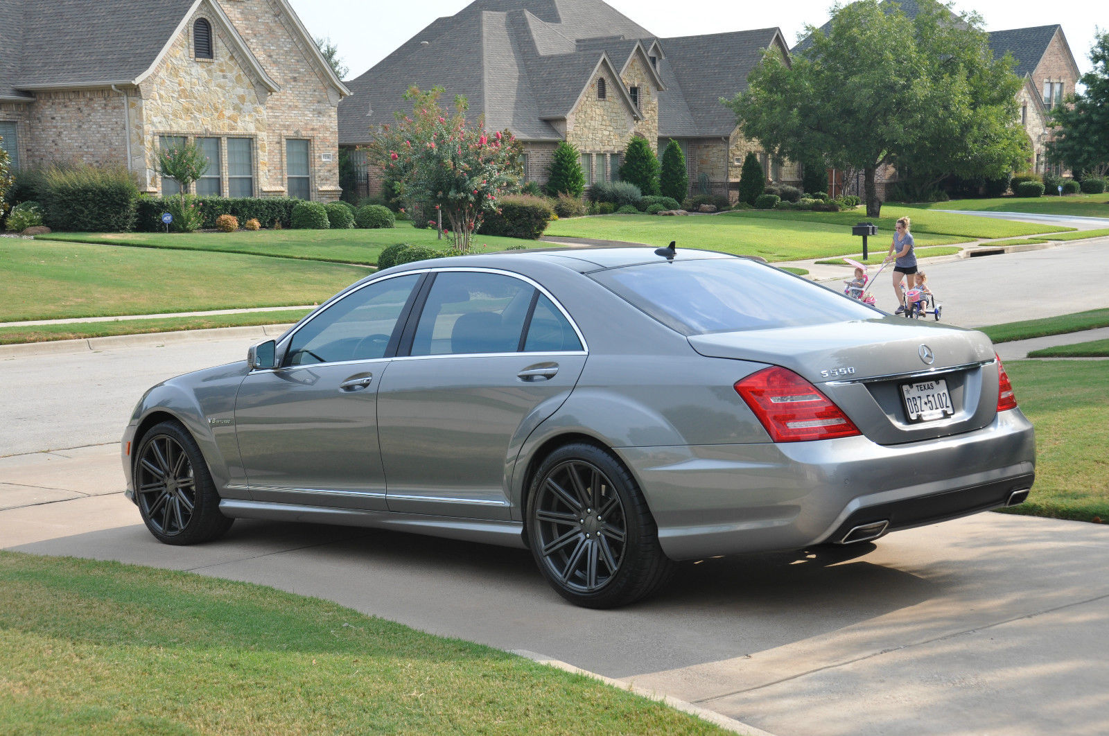 Mercedes benz w221 s550 on 20 vossen wheels benztuning for Mercedes benz s550 rims