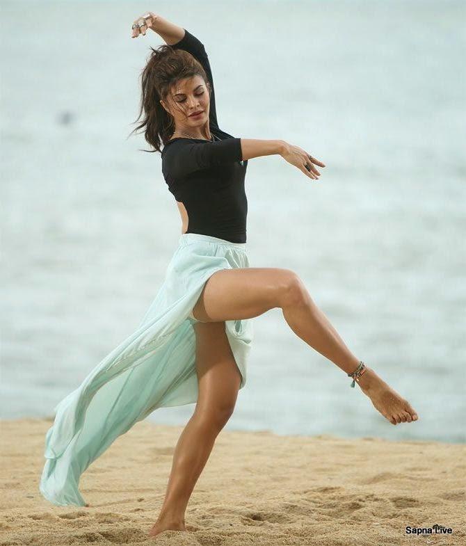 Jacqueline Fernandez Hot & Sexy Dance