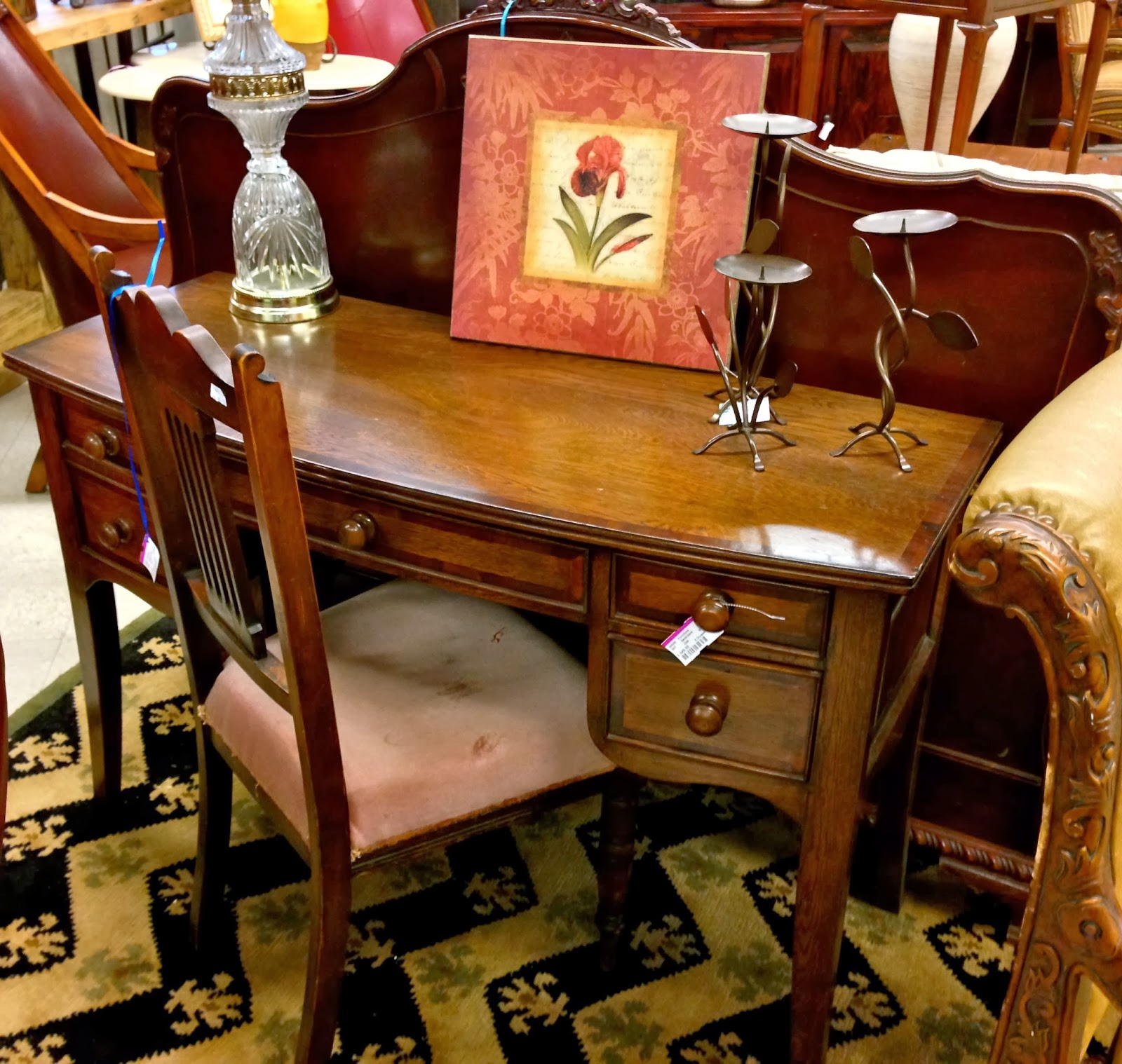 How to Sell Furniture and Home Decor Items on Consignment -- Hot ...