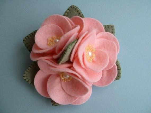 Moldes y dise os de flores en fieltro cositasconmesh - Como hacer figuras de fieltro paso a paso ...