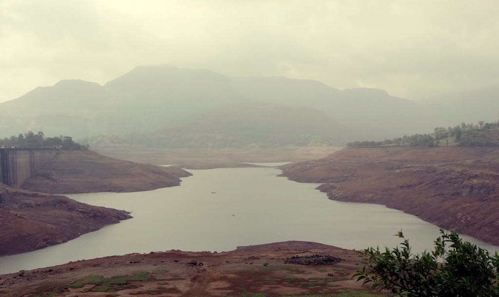 Bhandardara dam in June
