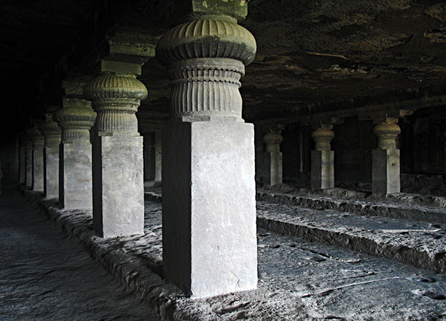 ellora temple pillars