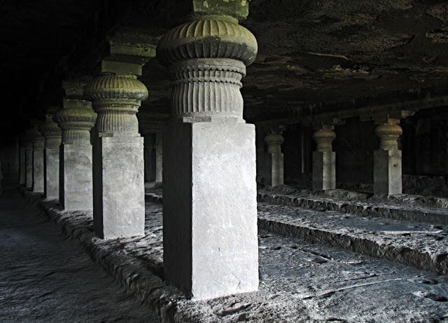 ellora temple pillars