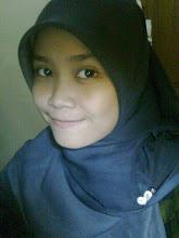 Profile Blogger - Rezzqina Shaufa