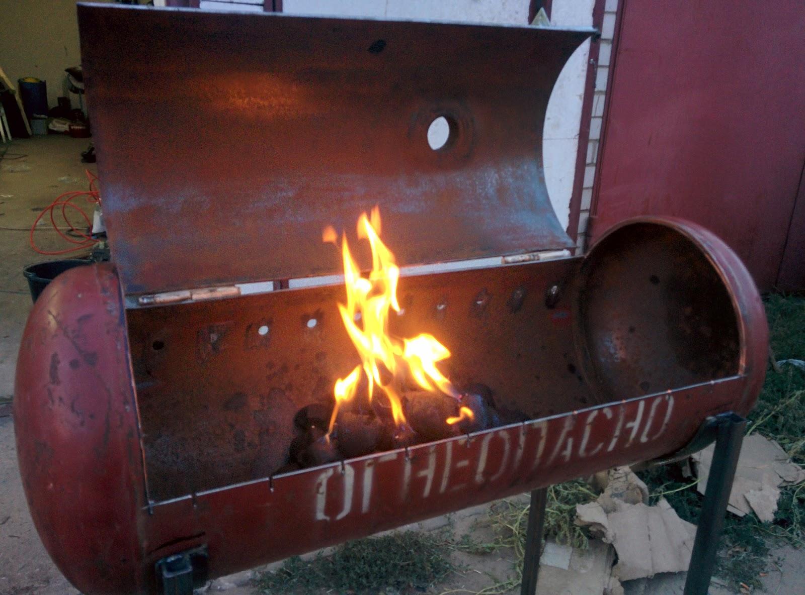 Мангал барбекю коптильня из газовых баллонов своими руками
