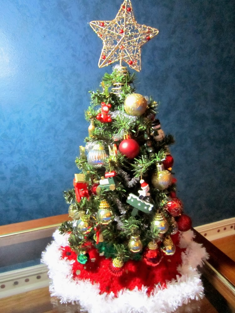 The handcrafted christmas mini skirts for mini trees 1 for Where do christmas trees come from