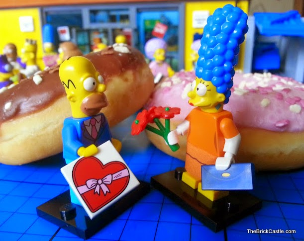 The Simpsons LEGO Minifigures Series 2 Marge and Homer Sunday Best date night