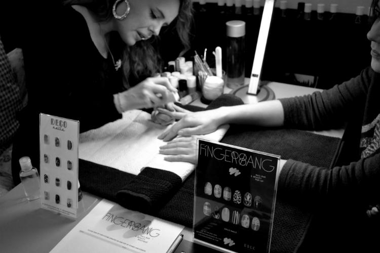 nails woman fingerband luxury cosemtic makeup nails nailpolish