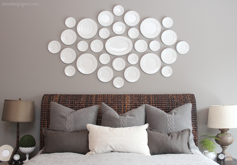 Plate Wall Decor the easy how-to for hanging plates on the wall! | drivendecor