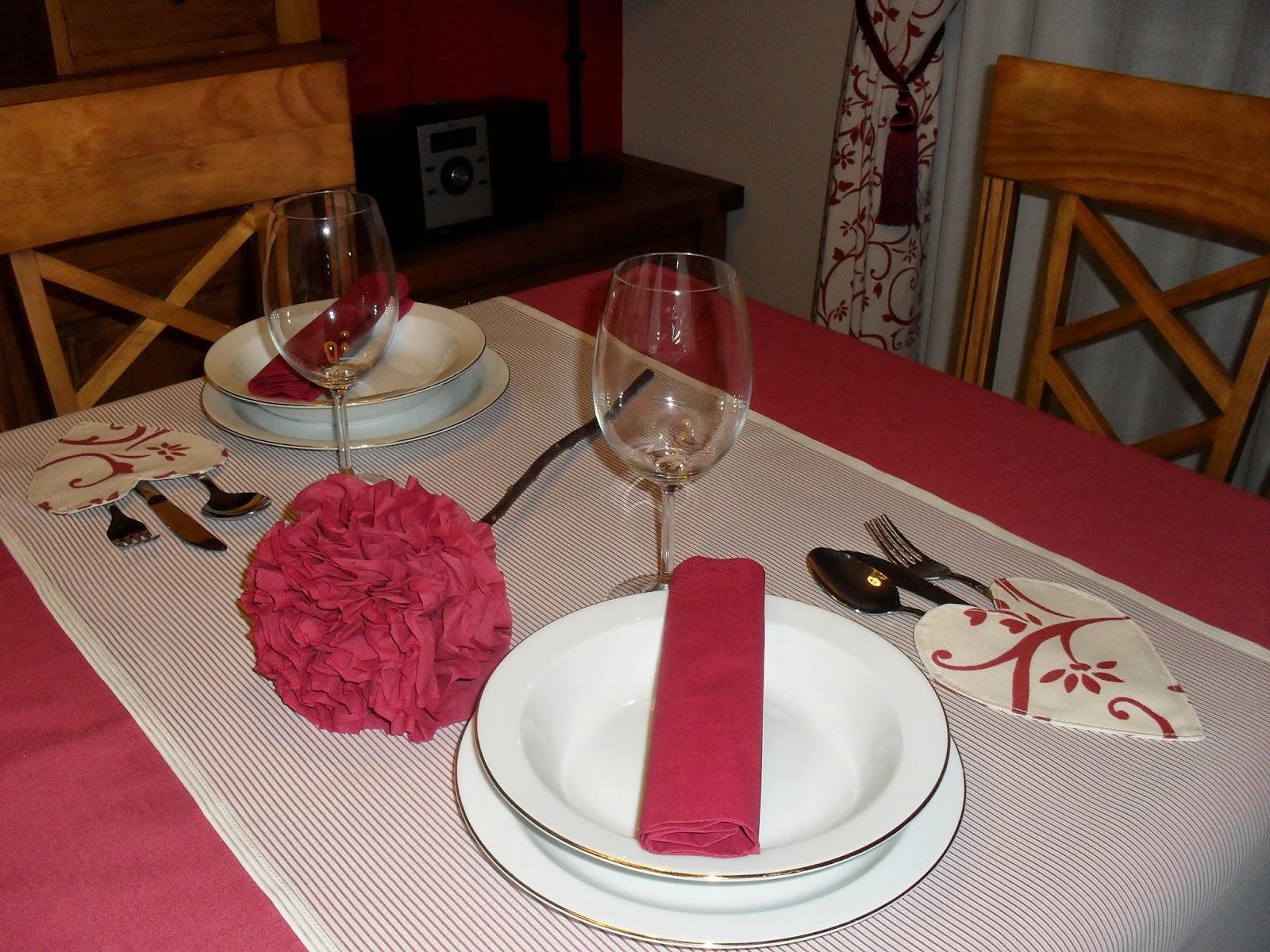 Camino de mesa romántico