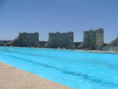 Onde fica a maior piscina do mundo for Piscina wikipedia