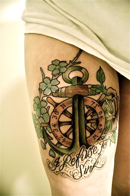 Tatuagem de Ancora na Perna