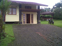 http://vilaistanabungavilage.blogspot.com/2013/12/villa-istana-bunga-lembang-di-sewakan.html