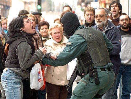 PUNTADAS CON HILO - Página 3 Guardia+civil+3