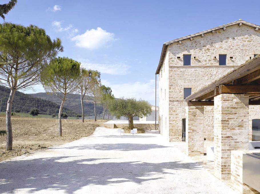 Modern Italian Farmhouse