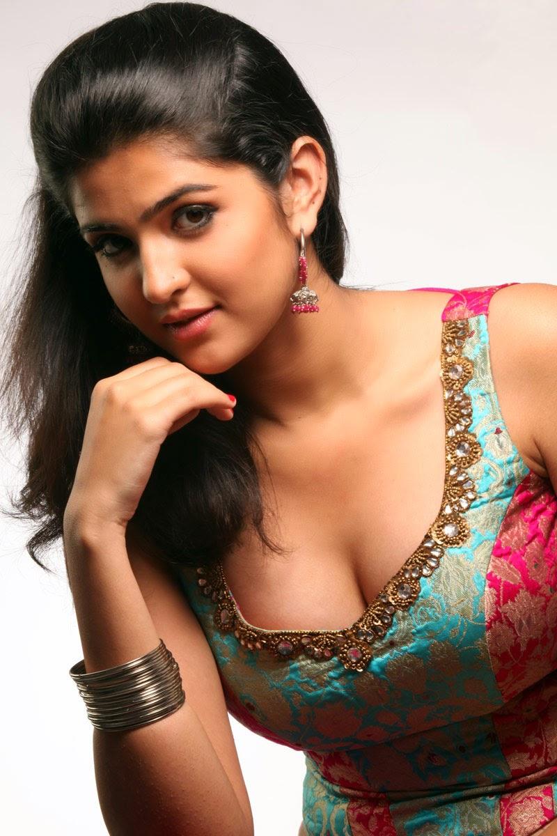 Actress From 'Lekar Hum Deewana Dil ' 'Deeksha Seth' Unseen Modelling Hot Photoshoot Pics